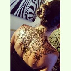 back tattoo - Winnipeg Henna Artist - Lady Lorelie Productions