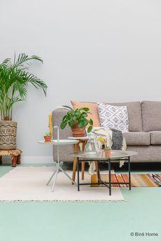 Marmoleum vloer - De woonkamer inrichten met de kleur mint groen