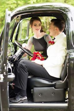 prom prom pictures prom ideas stylized prom photo shoot Tarik Ediz couple prom pose vintage prom 1950 F 100 Ford Truck prom flowers prom hair prom hairstyle Prom Pictures Couples, Homecoming Pictures, Prom Couples, Prom Photos, Prom Pics, Wedding Photos, Teen Couples, Couple Pictures, Prom Photography Poses