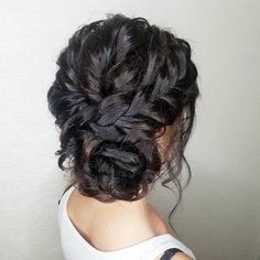 We've gathered our favorite ideas for 28 Cute And Easy Updos For Long Hair 2019 Trends, Explore our list of popular images of 28 Cute And Easy Updos For Long Hair 2019 Trends in easy messy bun hairstyles for long hair. Bridesmaid Hair Side, Wedding Hair Side, Long Hair Wedding Styles, Bridesmaids Hairstyles, Wedding Updo, Easy Updo Hairstyles, Headband Hairstyles, Straight Hairstyles, Long Hairstyle