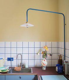 Cafe Interior, Kitchen Interior, Interior And Exterior, Desk Inspiration, Interior Inspiration, Diy Home Decor, Room Decor, Everything Is Illuminated, Flat Ideas