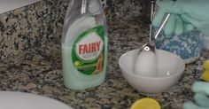 Cosa utilizzano gli alberghi per rimuovere residui di sapone e di calcare ed avere quindi docce sempre brillanti? A saperlo prima!