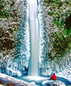 River Gorge  . . ➖➖➖➖➖➖➖➖➖➖➖➖➖ #germany #indonesia #maldives #wanderlust #usa #canada #mountains #interlaken #switzerland #landscape #netherlands #view #australia #norway #gopro #stunning #sweden #wcw #perfection #travel #luxury #dope #nyc #nikon #canon #outdoors #nature #japan #adventure #italy