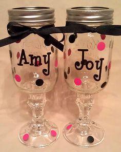 CUTE they're mason jar wine glasses Pint Mason Jars, Mason Jar Wine Glass, Redneck Wine, Crafty Craft, Crafting, Bachelorette Gifts, Glass Candlesticks, Monogram Initials, Craft Gifts