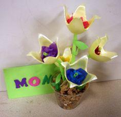 Tulipanes con hueveras!