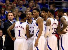 Kansas Jayhawk Basketball extends winning streak against Baylor 61-44
