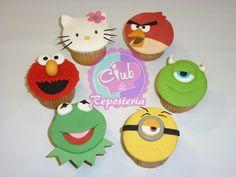 """Cupcakes de personajes famosos del curso """"Cómo Decorar Cupcakes con Fondant"""" por el Club de Reposteria http://clubdereposteria.com/cursos/como-decorar-cupcakes-fondant/"""