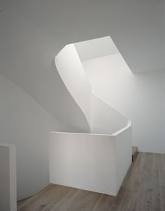 House for an Art Collector/ Christian Dupraz Architectes