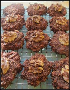 Low Calorie Chocolate Walnut Quinoa Drops - This is a very healthy version of  an oatmeal cookie.  It is fat free,  flour free, sugar free, vegan and made with a healthy, high quality protein ( quinoa ).  It is not very sweet, so if you don't mind using processed foods, use a few teaspoons of Splenda.  Or you can put an extra banana in the mix. #quinoacookie #low  calorie #glutenfree