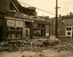 1959 tornado in St. Louis left 21 dead and 345 injured : News Rare Historical Photos, Historical Sites, Strange History, History Facts, Local History, British History, Drive In Theater, St Louis Mo, Tudor History