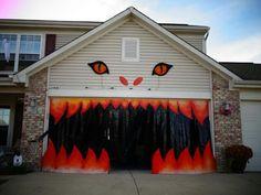 Halloween Garage Decoration