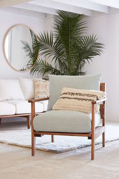 Peyton Chair - Urban Outfitters