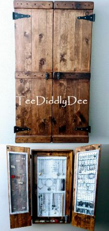 The Ultimate DIY Rustic Jewelry Cabinet will solve all your jewelry storage problems! It is not only attractive, but it has tons of storage! Rustic Wood Walls, Rustic Furniture, Diy Furniture, Furniture Stores, Unique Furniture, Furniture Online, Luxury Furniture, Diy Home Decor Rustic, Diy Room Decor