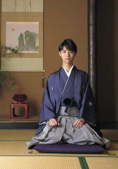 Yuzuru Hanyu in hakama Sendai, Japanese Costume, Japanese Kimono, Traditional Chinese, Traditional Outfits, Ice Skating, Figure Skating, Yuzuru Hanyu, 7 Arts