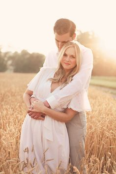 Nessa K. If the woman is taller or same height as man, make her bend at her hips so her torso is shorter. Couple Photography Poses, Couple Portraits, Couple Posing, Engagement Photography, Wedding Photography, Field Engagement Photos, Engagement Couple, Engagement Outfits, Winter Engagement