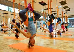¡Vuela y haz ejercicio con el Aero Yoga!