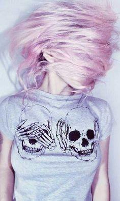 Soft grunge pastel pink hair and skull shirt Estilo Grunge, Hipster Grunge, Grunge Style, Grunge Girl, Pastel Grunge, Pastel Pink, Soft Grunge, Pink Purple, Pastel Sky