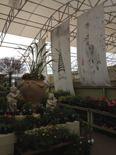 Huge pieces of art Most Beautiful Gardens, Garden Centre, Vegetable Garden, Shrubs, Art Pieces, Plants, Pictures, Gift, Photos