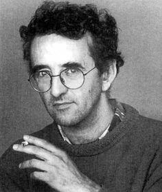 Historia corta de Roberto Bolaño que narra las malandanzas de un hombre durante la guerra, cuando va pasando de un destino a otro...
