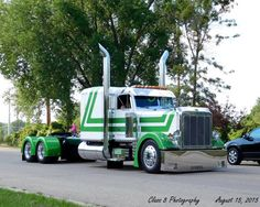 Custom Peterbilt 379 - Semitrckn - US Trailer would like to buy used trailers in any condition to or from you. Contact USTrailer and let us repair your trailer. Click to http://USTrailer.com or Call 816-795-8484