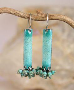Funky enamel & bead earrings. (tekaandzoe on Etsy)