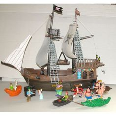 Perroquet pirate dessin recherche google spectacle - Bateau pirate peter pan ...