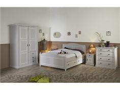 Rustikální nábytek do ložnice v bílé barvě