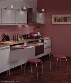 Mała biało-różowa kuchnia