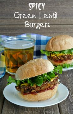 Spicy Green Lentil Burgers have lots of texture, wonderful flavor enhanced with the spices and one of the best veggie combinations you could ask for in a veggie burger. Lentil Burgers, Vegan Burgers, Mini Burgers, Turkey Burgers, Paninis, Vegan Foods, Vegan Dishes, Food Network, Flammkuchen Vegan