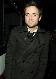 Justin Chatwin is such a cutie.