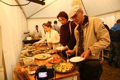 Susedská večera Jakubovo námestie Kung Pao Chicken, Ethnic Recipes, Food, Essen, Meals, Yemek, Eten