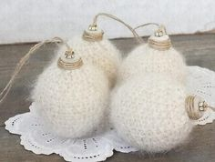 Christmas balls DIY Knitting...Somebody please make me some of these.