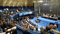 SE CONSUMA EL GOLPE DE ESTADO: SENADO BRASILEÑO DESTITUYE A DILMA ROUSSEFF      Se consuma el golpe de Estado: Senado brasileño destituye a presidenta Dilma RousseffTemer asume la presidencia interina tras la destitución de Rousseff ahora que el Senado la halla culpable de supuesta corrupción. Temer asumirá el mando de Brasil hasta finales de 2018 en medio de fuertes protestas por sus políticas privatizadoras y de recortes. Finalmente se consumó el golpe de Estado en Brasil. La mandataria…