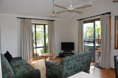 Marion Holiday Park - 2 Bedroom Bungalows 2 Bedroom, 1 Double, 2 Single 1 Bathroom - with double spa bath Max 4 guests Private Decking Full kitchen with dishwasher LCD TV in lounge Undercover carport