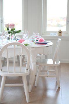 jordbærpiken - pretty kids' party table