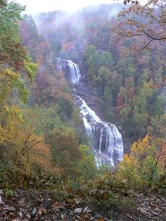 Short hike to nice falls and swimming holes. Virginia Vacation, Hiking In Virginia, West Virginia, Places To Travel, Places To Visit, Virginia Is For Lovers, Around The World In 80 Days, Trail Guide, Appalachian Trail
