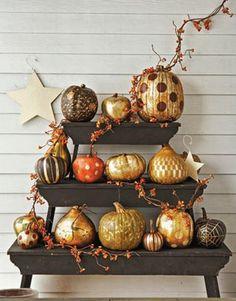 Pumpkin display - creative pumpkin decoration ideas