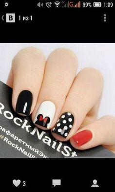 simple minnie mouse manicure