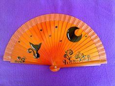 abanico Hand Held Fan, Hand Fans, Decoupage, Fan Decoration, Hot Flashes, Fabric Dolls, Delicate, Miniatures, Cool Stuff