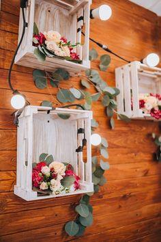 Bedýnky osázené květinami jako svatební dekorace Wedding Gift Hampers, Wedding Gifts, Wedding Baskets, Birthday Decorations, Wedding Decorations, Table Decorations, Diwali Decorations, Rakhi Design, Wedding Plates