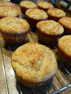 Eat cook and love: Muffins au citron et pavot Dessert Ww, Breakfast Muffins, Biscuits, Brunch, Sweets, Eat, Cooking, Food, Cupcakes