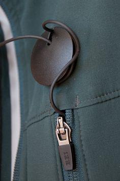 Magneat, der Magnetische Kopfhörer-Kabelhalter (© PS)