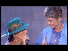 """Netinho cantando """"Tempos Modernos"""" com Ivete Sangalo em seu primeiro DVD - 2006 - Salvador/BA"""