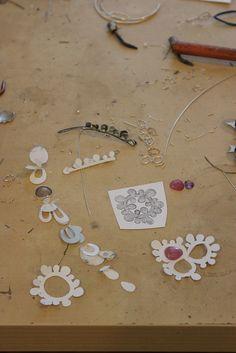 Work in Progress : sketching and paper model making...my design process - Processo creativo: esempio di modelli di carta