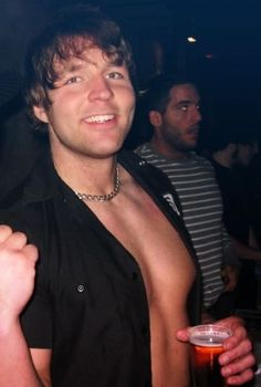 I love Dean Ambrose... His Chest... His Chain... His Ass... His PERFECT FACE<3<3<3<3
