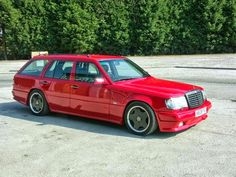 w124 red