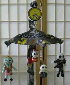 There are no words for how much I want this for my future nursery.I never would have thought it existed. Nightmare Before Christmas Baby Mobile! Room Themes, Nursery Themes, Nursery Ideas, Room Ideas, Nightmare Before Christmas, Goth Baby, Christmas Baby Shower, Baby Bats, Nerd