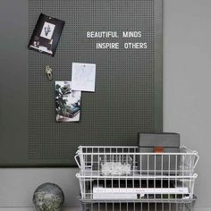 grid opslagstavle fra monograph - monograph opslagstavle grid i grøn Memo Boards, Pin Boards, Bulletin Boards, House Doctor, Stationary Shop, Pin Up Photos, Cute Notes, Black Letter, The Office