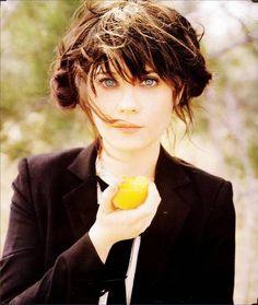 thisistouifi: Zooey. Zooey Deschanel, eat, Lemon