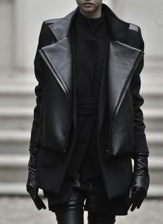 noir-en-vogue:  ✖got more fashion posts inblack✖